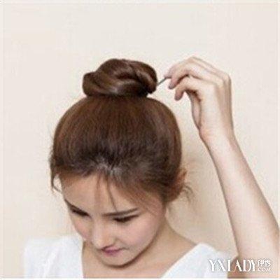 简单丸子头发型扎法图解清新靓丽