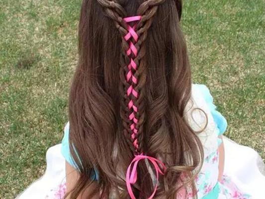 儿童丝带编发教程图解 4步骤教你用丝带编发
