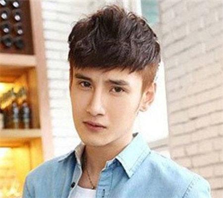 【图】男头型两边剃光刘海 彰显个性时尚气质图片