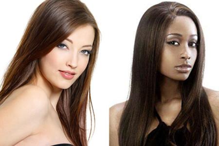基本步骤是洗发,涂上拉直药水,用直发夹板分次拉直头发,涂上定型药水.