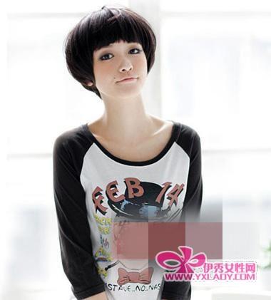 齐刘海短发发型 变身可爱小萌女图片