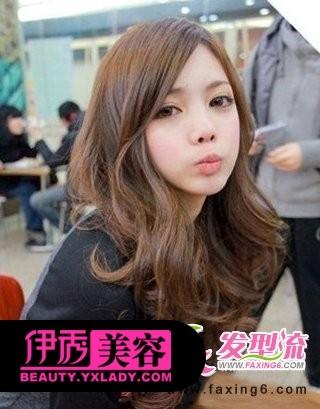 齐刘海烫发发型图片图片大全 最新甜美可爱的齐刘海卷发发型图片
