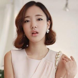2014流行的可爱韩式女生中短发发型图片-女生中短发发型大全