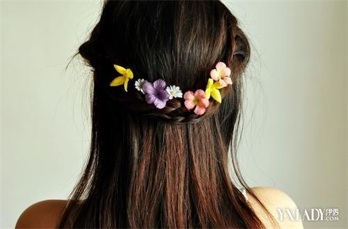 学习半扎半披的发型扎法 让你充满公主的气息