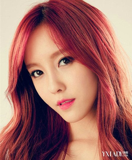 女生红色头发图片 几种发型让你每天都有新花样