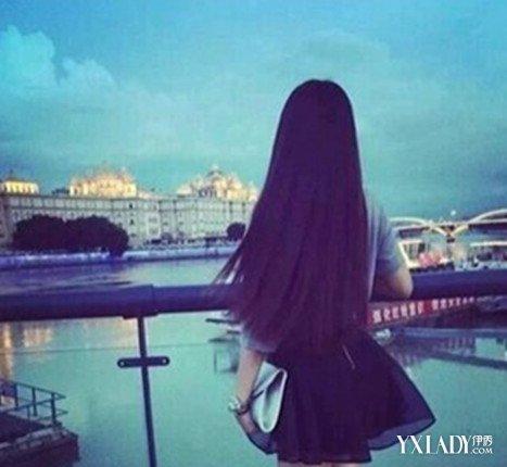 女生长直发背影发型图片 美丽减龄又吸晴