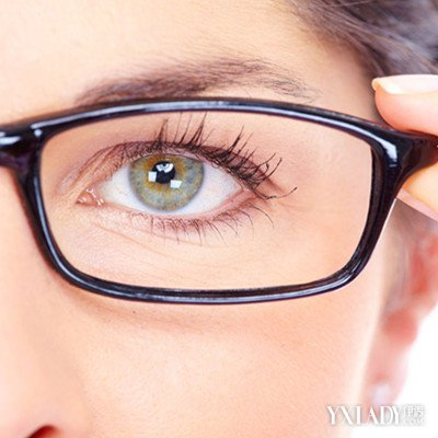 长时间戴眼镜眼睛变形