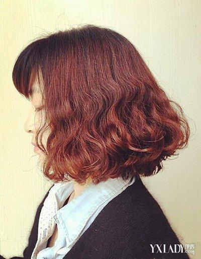 发型 流行发型 正文  水波纹烫发发型三 短发发型也能够烫出好看的水图片