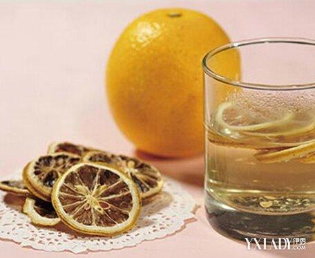 柠檬片泡水的方法及功效 柠檬片可以祛痘吗