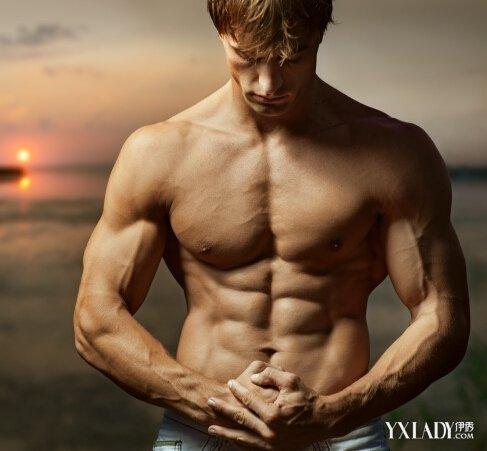 调戏美女2不2?多锻炼身材化肥肉为肌肉才是真男人