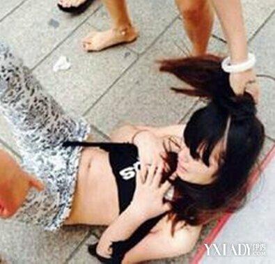 【图】广西女生打架现场扒衣视频无码曝光