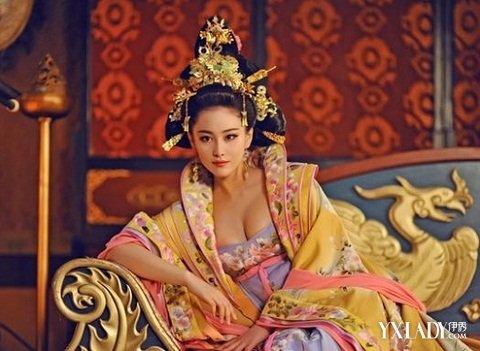 【图】古代丰胸性感美女照