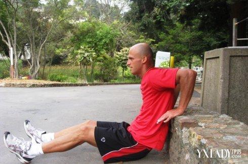 【图】徒手健身的方法 7大动作让你成为健身达