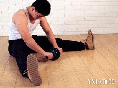 【图】滚轮练腹肌的正确姿势怎么做? 五种腹肌