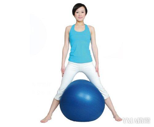 【图】瑜伽球动作图片大全 欣赏 8大动作教你