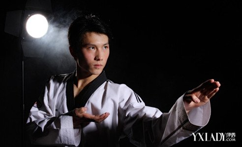 【图】分享跆拳道的基本功 四大动作轻松练(3