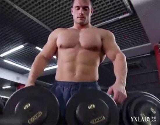 【图】鉴赏哑铃锻炼腹肌方法图