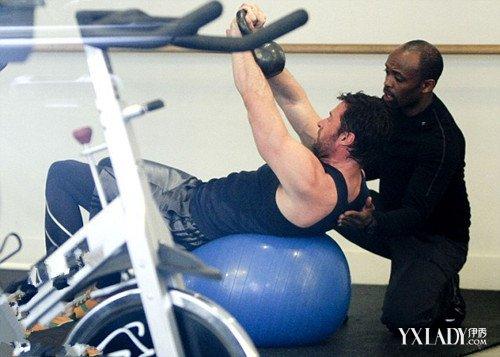 【图】健身房练肌肉的方法有哪些 8个健身动作