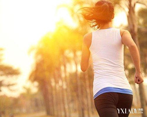 【图】正常失恋速度是跑步v速度的8个事项对有慢跑伤害大女生的一个多图片