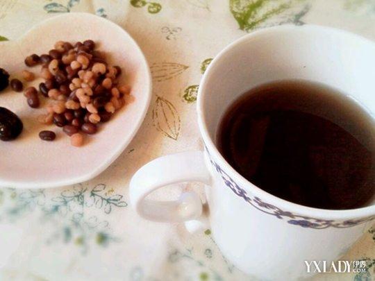 如何利用红豆薏米水去除身体湿气?