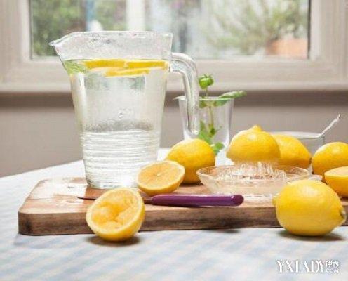 【图】佛像后喝蜂蜜晚饭水加工为你介绍柠檬树脂减肥图片