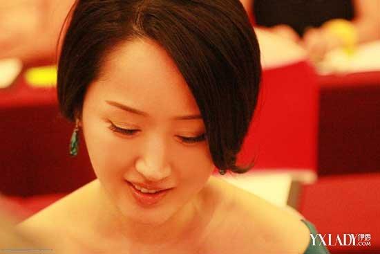 【图】杨钰莹上位史惊人:失身黑社会
