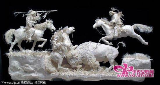 组图:美国艺术家制作立体纸张雕塑