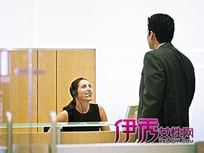 男友和女上司办公室调情
