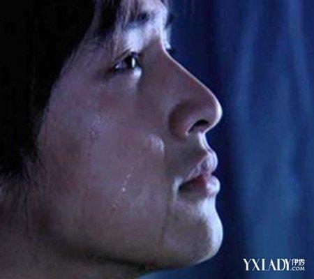 【图】伤心难过哭泣图片男都有一颗水晶心