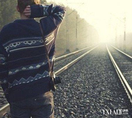 【图】看男生一个人背影离开图 是否回忆起这四季恋歌图片