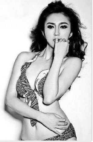 川音女教师公布性感照片引争议