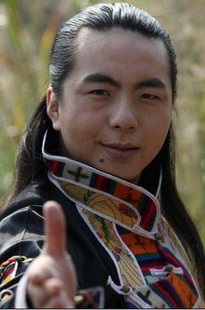 如何跳好看的藏族舞蹈