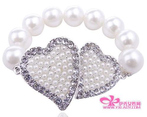 边钻爱心珍珠手链