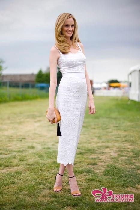 夏季连衣裙款式搭配