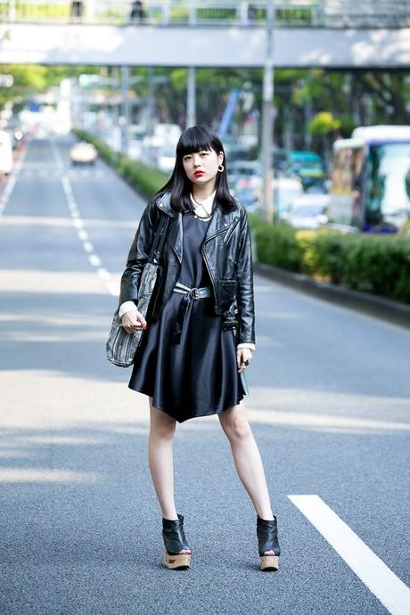 日本街拍网潮人演绎  皮衣搭配酷帅拽_日韩街拍