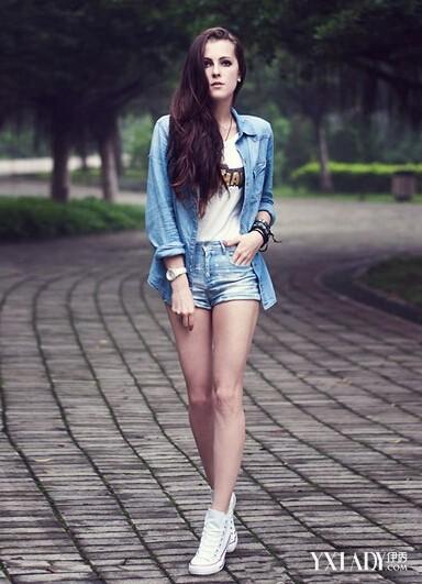 好声音萌妹子陈永馨撞脸森碟 帆布鞋搭出甜美时髦LOOK