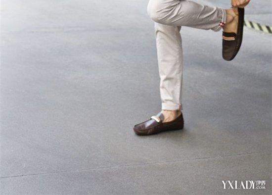 男豆豆鞋裤子搭配_【图】男士豆豆鞋搭配裤子的方法 3款豆豆鞋来拯救你的脚和造型 ...