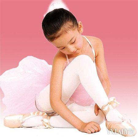 天鹅绒丝袜_【图】小女孩丝袜图片汇总 美丽可爱的公主装_小女孩丝袜_伊秀 ...