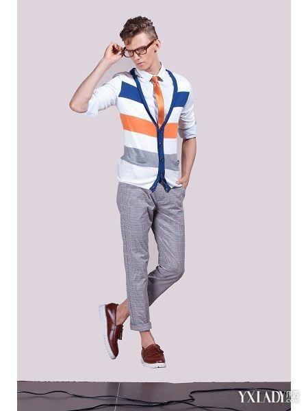 休闲装男的服装陈列 轻松几招让你摆出吸引的陈列方式图片
