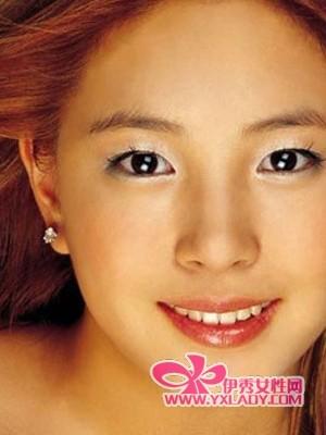 """眼妆是关键 来个韩范儿的眼部""""整形术""""(组图)"""