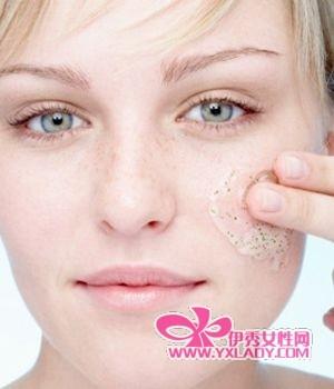 眼部皮肤不能进行磨砂