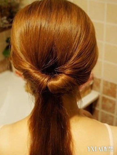 长头发简单扎法图解_【图】长直发发型扎法 六步骤打造气质淑女(3)_长直发发型扎法 ...