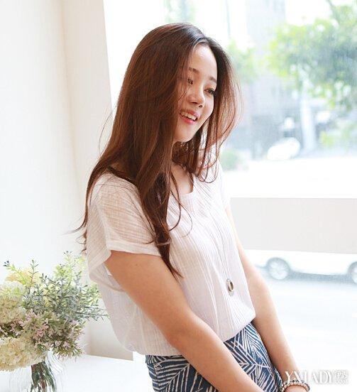 女生圆脸适合什么发型图片 9款显瘦卷发打造迷人气质