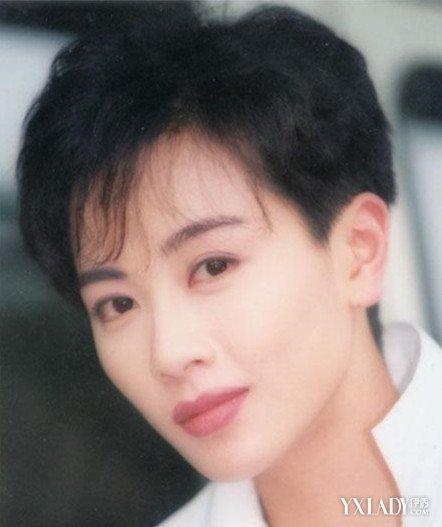 袁洁莹短发发型图片打造时尚复古范
