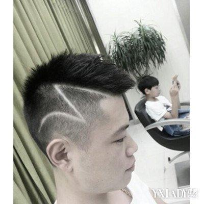 男生玫瑰花刻痕发型 4款潮发介绍图片
