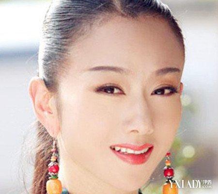 杨丽萍裸妆照欣赏8步教你化出淡雅裸妆