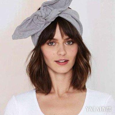 女生短发发带的戴法图片展示 既甜美又时尚