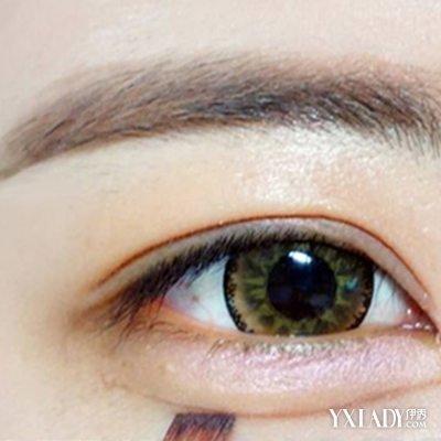 卧蚕眼怎么弄出来 卧蚕眼画法步骤图解-新手化妆 ...