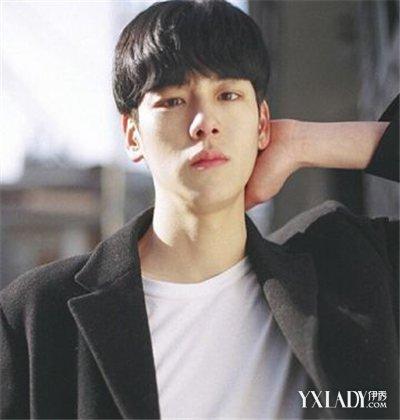长脸的男生弄什么发型好看 韩国男生齐刘海发型图片