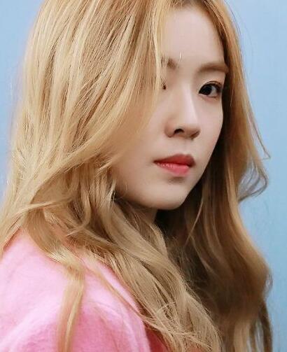 Red Velvet组合裴珠泫仿妆 绝美韩妆分享给你们